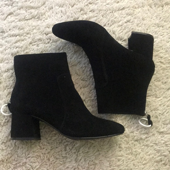 Urban Outfitters Shoes - Black booties